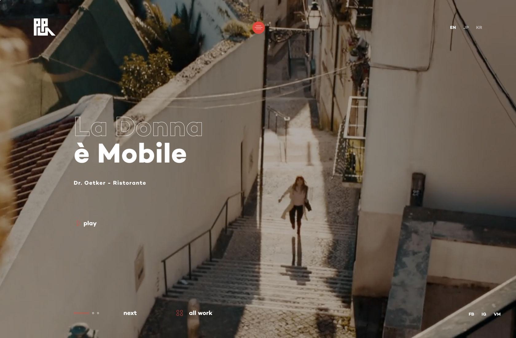 Tren desain situs web: Latar belakang video.